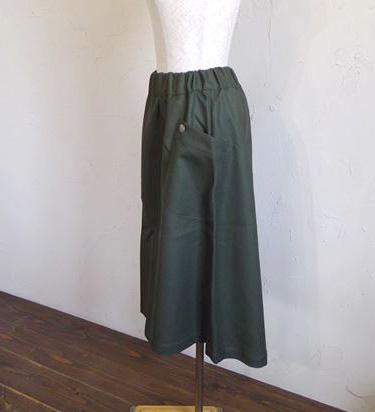 saxony skirt +concho(カーキ)