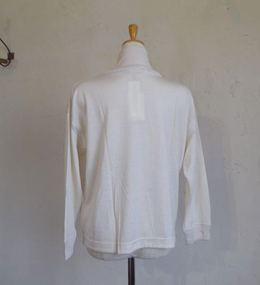 washable wool high-neck wide<br />(エクリュ)