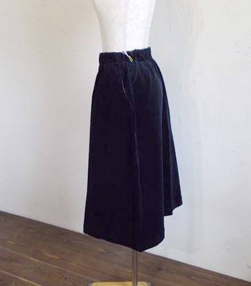 compact yarn corduroy skirt(ネイビー)